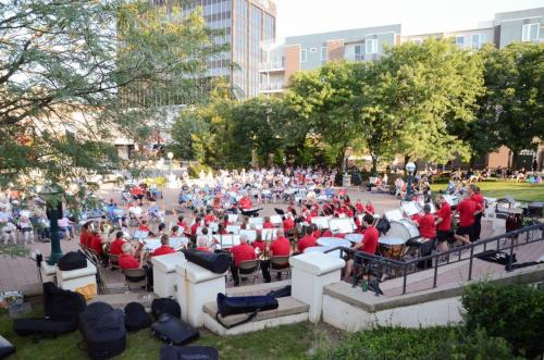 The audience and the band enjoy the great weather
